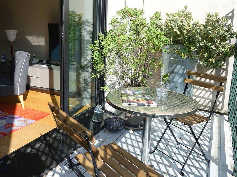 Quartier Montparnasse, très bel appartement confortable avec terrasse, vakantiewoning in Hauts-de-Seine