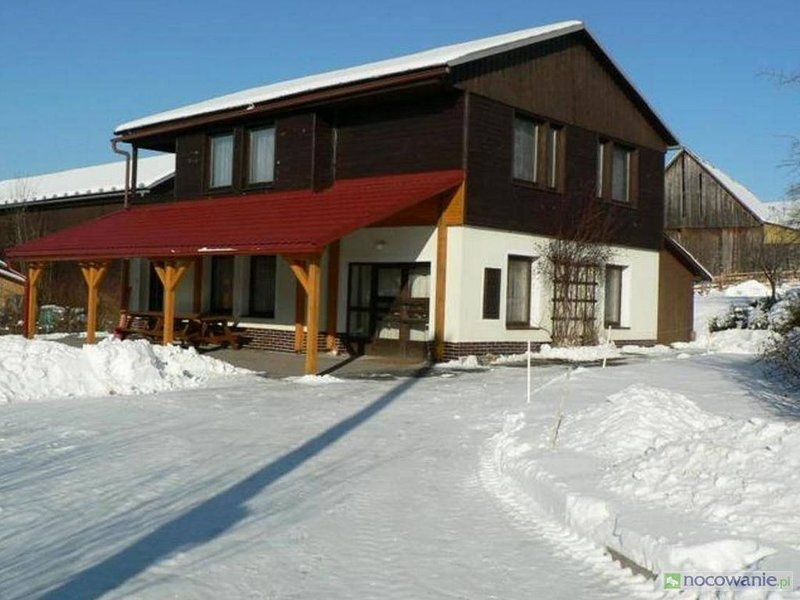 Chata Pod Hajkem -Holiday house with garden, outdoor pool, in the area of farms., holiday rental in Vrchlabi