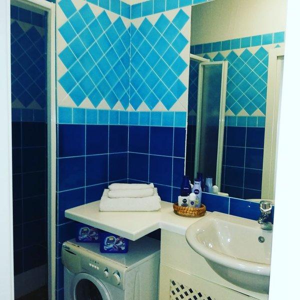 Very home apartment see view. 6 posti letto, Vista sul porticciolo, piscina, holiday rental in Santa Teresa Gallura