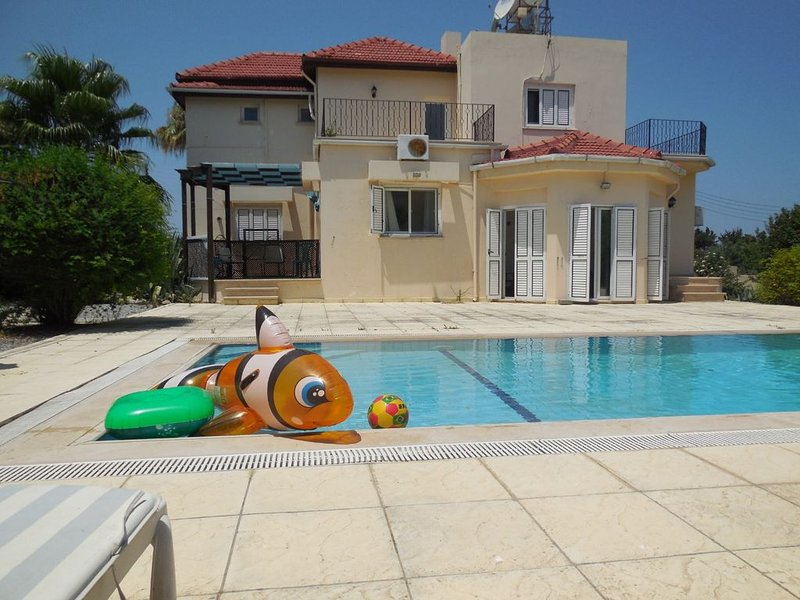 *NEW FOR OCT '19* - Lovely Villa with Pool In Lapta, Near Girne, Northern Cyprus, vacation rental in Lapta