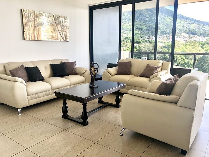 Apartamento de lujo / Torre 91, Colonia Escalón, holiday rental in San Salvador Department