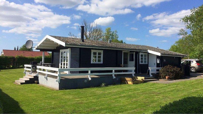 Ferienhaus für Familien mit vielen Annehmlichkeiten, WLAN, Ofen, Waschmaschine, aluguéis de temporada em South Jutland