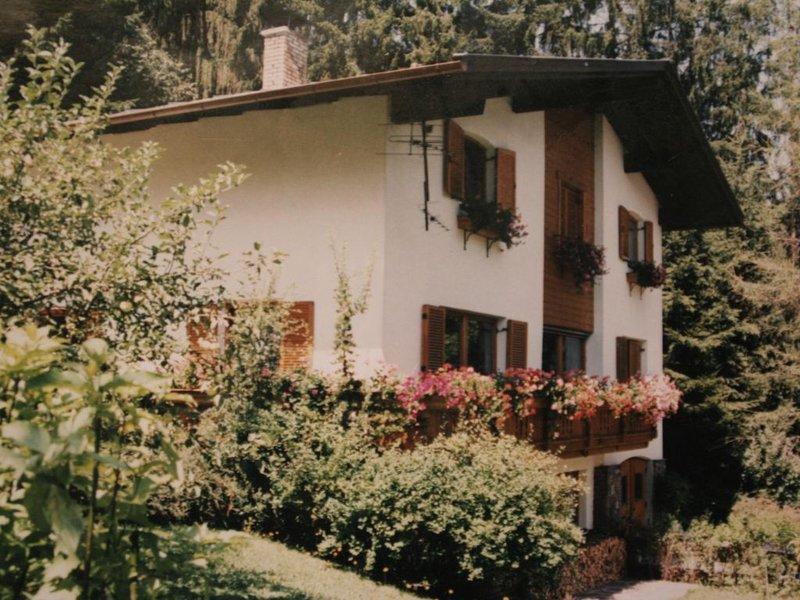 gemütliche Ferienwohnung in der Nähe des Schigebietes Hochzillertal/Hochfüg, holiday rental in Ried im Zillertal