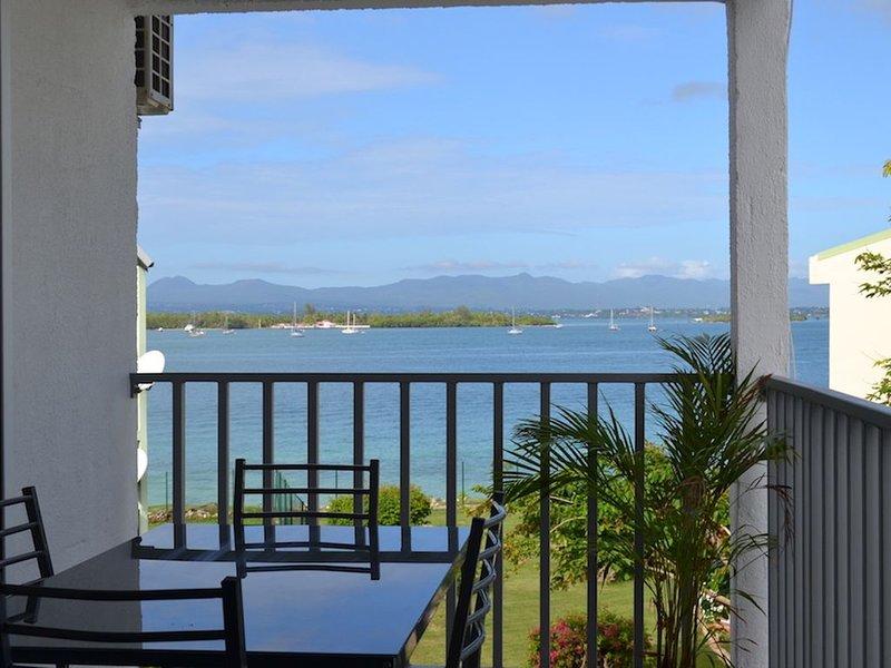 Appartement T2 vue mer, vakantiewoning in Pointe-à-Pitre