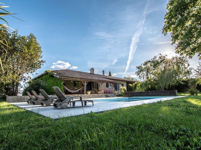 La Sabaterie - Villa de charme dans le Gers, vacation rental in Aubiet