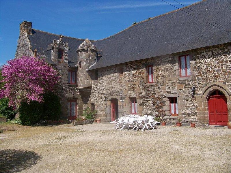 Superbe manoir, cadre verdoyant et calme, au coeur des activités touristiques, casa vacanza a Mont-Dol