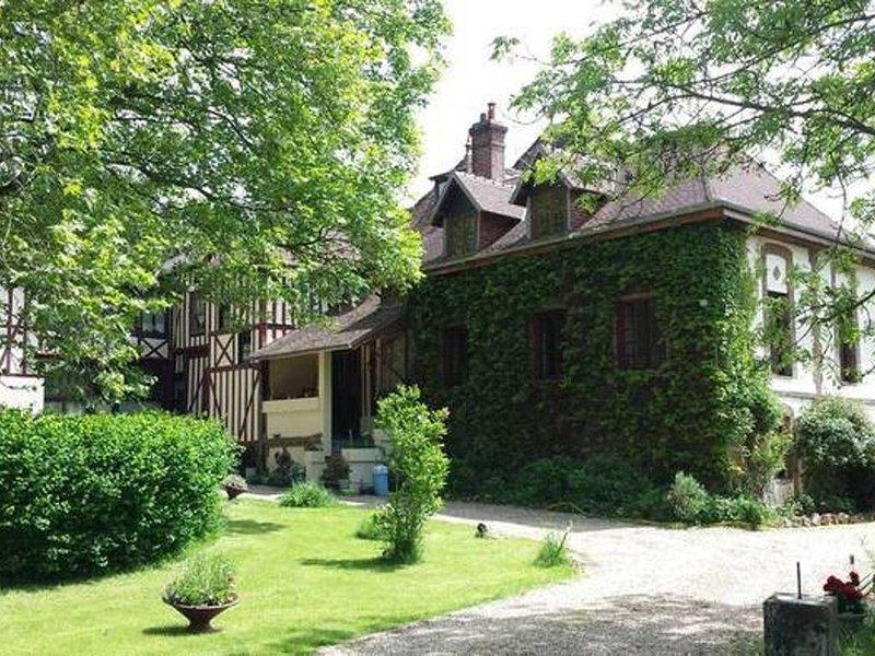 Maison indépendante dans un manoir normand, Bernay, holiday rental in Brionne