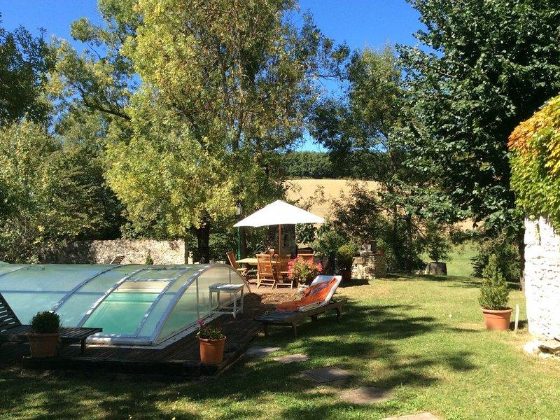 3 Belles Chambres avec terrasse ou balcon privé dans un ancien corps de ferme, aluguéis de temporada em Vic-Fezensac