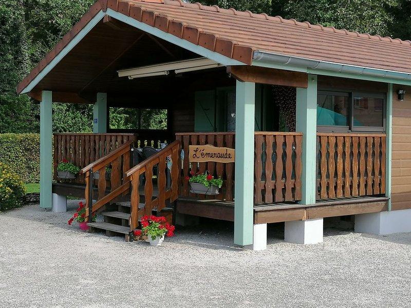 L'Emeraude, Magnifique Chalet 5 pers au cœur de la région des lacs du Jura, location de vacances à Geruge