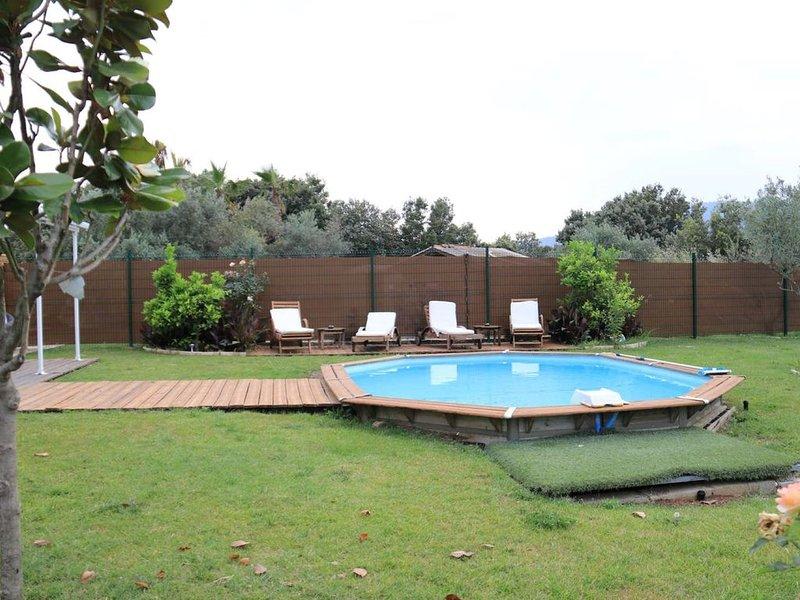 Petite maisonnette adossée avec piscine - Peymeinade - 4 personnes, aluguéis de temporada em Peymeinade