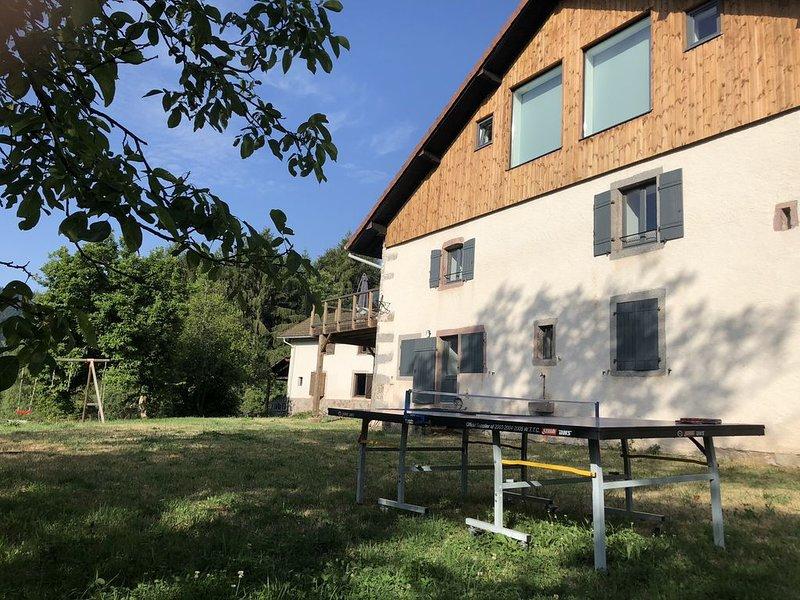 Ferme d'exception - 7 Chambres / 7 Salles de bain - Grand confort et grand calme, vacation rental in Saulxures-sur-Moselotte