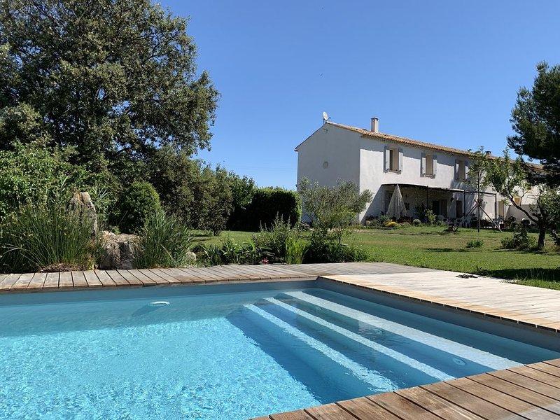 Logement complet 1er étage d'une maison provençale, vue dégagée sur les étangs, location de vacances à Port-de-Bouc