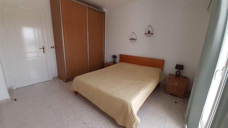 Appartement super équipé, Calme et Sécurisé, holiday rental in La Marsa