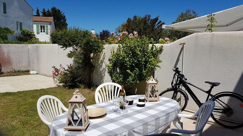 Maison tennis piscine à 300m de la mer, holiday rental in Loix