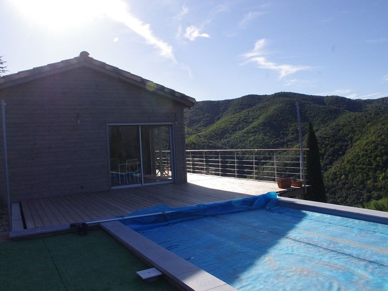Maison située au coeur des Cévennes piscine , vue imprenable., location de vacances à Saint Andre de Valborgne