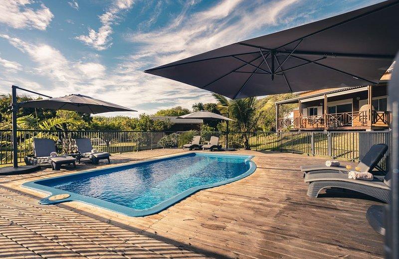 Les 3 Villas Mandarine - Entre Deux - Piscine sur 5000 m2 de parc arboré, location de vacances à Le Ouaki