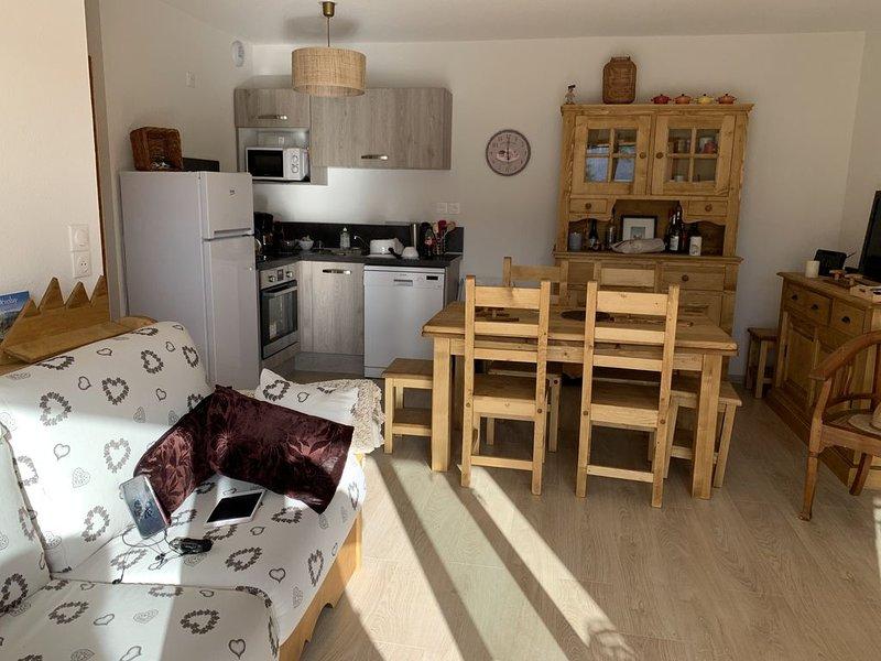 Appartement spacieux et cosy proche remontées, holiday rental in Lus La Croix Haute