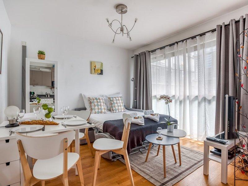 Confluence - Superbe pied à terre avec parking privé, holiday rental in Montagny