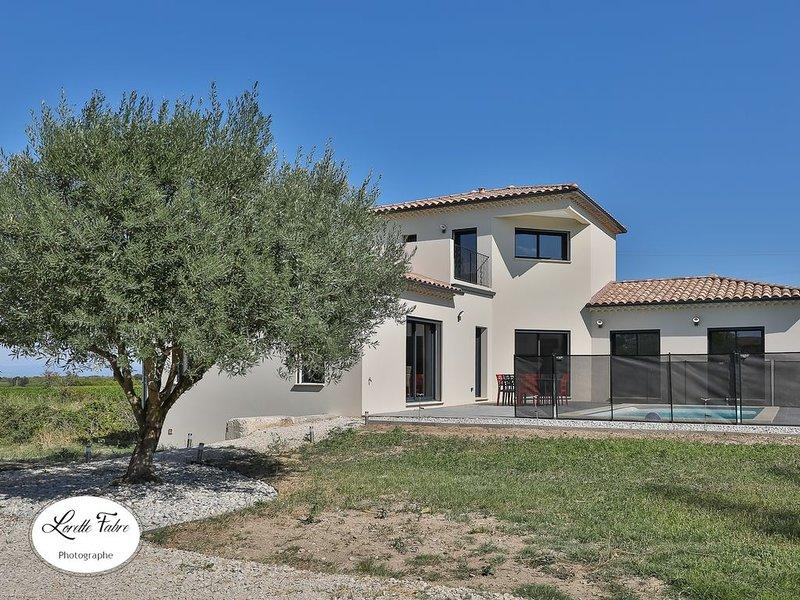 Villa avec piscine privée , proximité Avignon, Uzès, Pont du Gard, Ardèche, aluguéis de temporada em Orsan