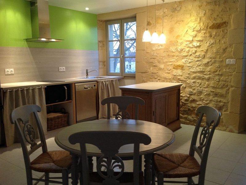 Gîte entre Sarlat Gourdon Rocamadour, vacation rental in Milhac