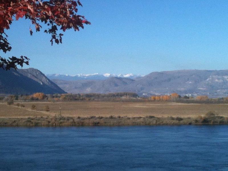 Golfer, fisherman, hunter, mountain biker paradise, location de vacances à Pateros