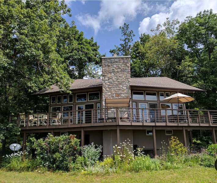 Big Sky Retreat in Linville Heights Development, vacation rental in Linville