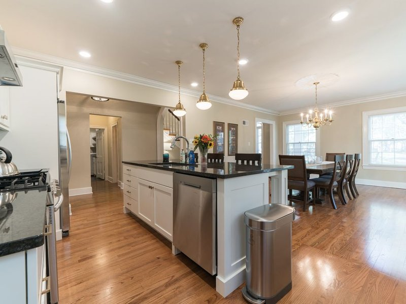 Newley Renovated HISTORIC MANOR: At the heart of Columbia, Missouri, holiday rental in Columbia