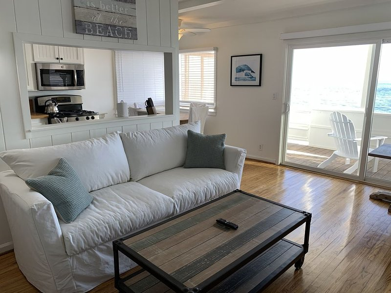 Malibu Carbon Beach Oceanfront Suite Two, holiday rental in Malibu