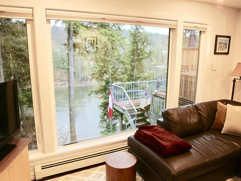 North Nechako Waterfront Home, holiday rental in Prince George