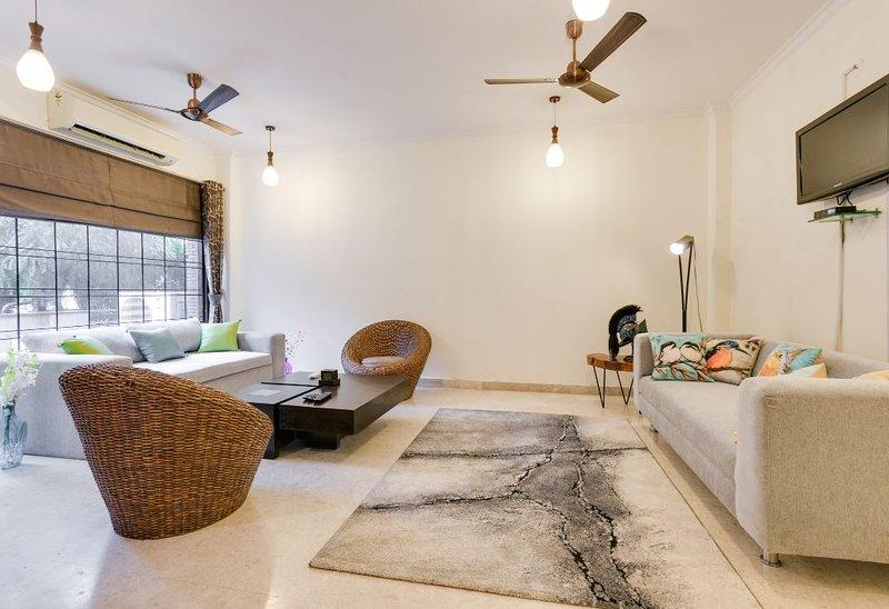 Aravali Woods VacationVilla, 5 min from Cyber City, vacation rental in Mahipalpur