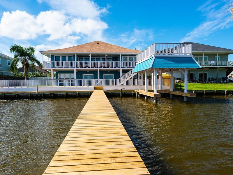 The Cove House on Galveston Bay, holiday rental in Bayou Vista
