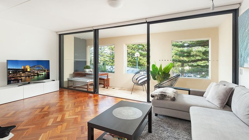 Coogee Beach Pad Summ, holiday rental in Maroubra