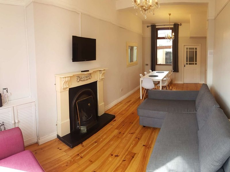 Shaftesbury Avenue Townhouse, holiday rental in Belfast