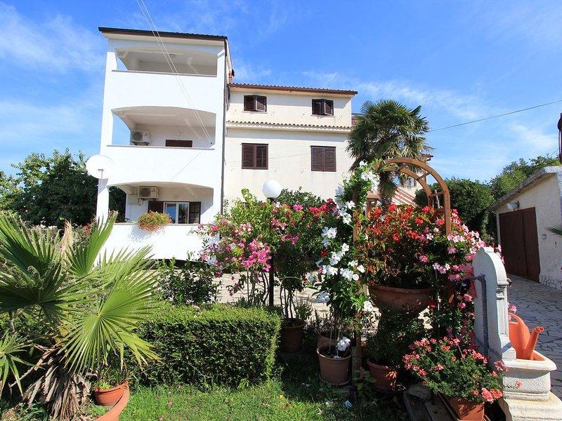 Schöne Ferienwohnung mit einem Schlafzimmer, Klima, Balkon mit Meerblick und ein, location de vacances à Pomer