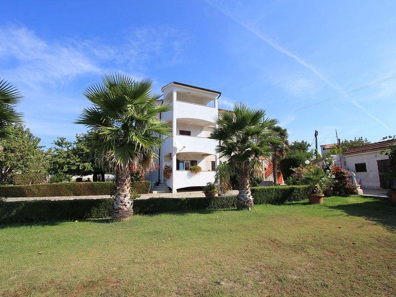 Sie werden dieses Anwesen mögen - es wurde mit vielen schönen Palmen beschmückt, location de vacances à Pomer