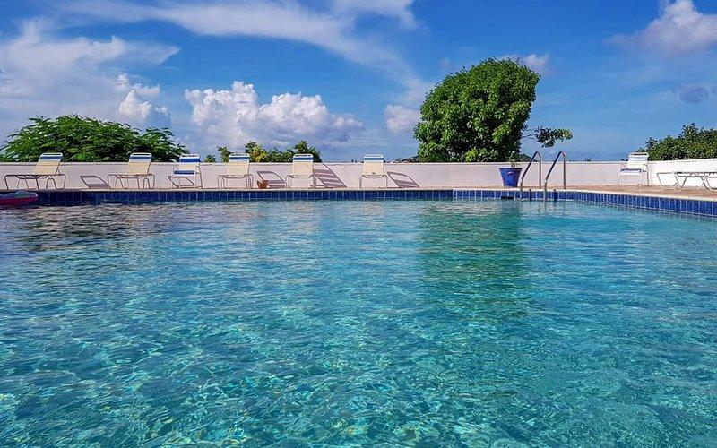 Arbor Vacation Condo #3 - Cupecoy+Pool+Security, holiday rental in Maho
