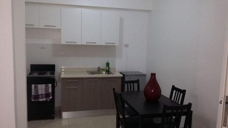 2 Habitaciones apartamento con aire acondicionado, holiday rental in Santo Domingo Este