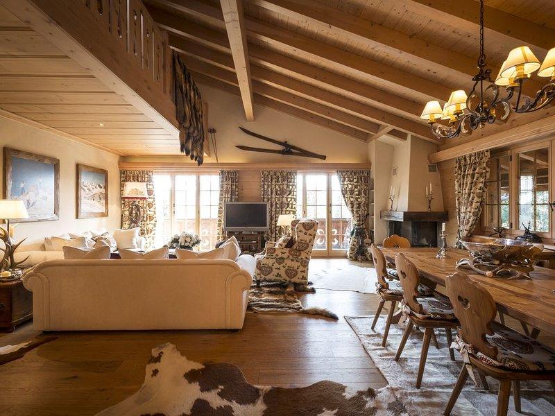 Luxury 4 bedroom Duplex apartment in Schonried close to Gstaad Sleeps 8, vacation rental in Saanenmoser