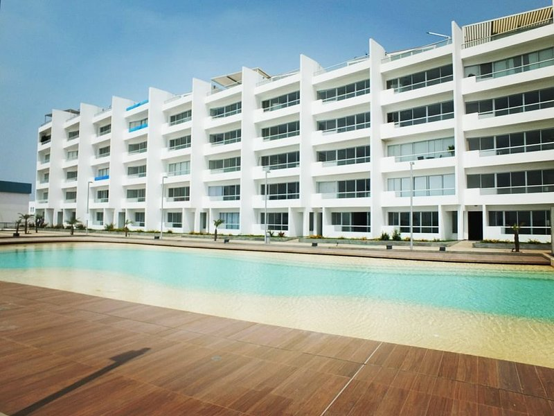 Flat de Playa - Condominio Nueva Asia, holiday rental in Cerro Azul