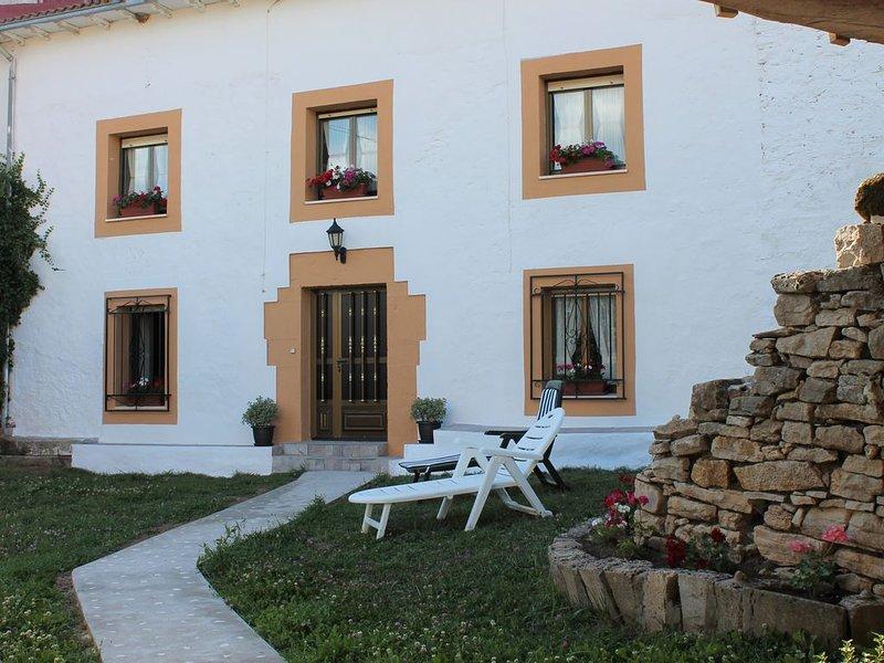 Casa: El Portalón de Valdivia, holiday rental in Valdeprado del Rio