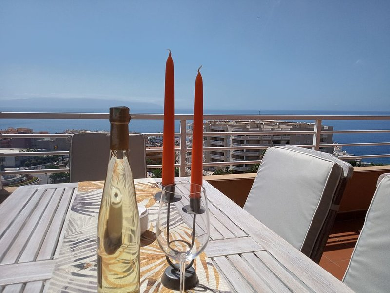 Gran terraza con vista al mar, Ferienwohnung in Puerto de Santiago