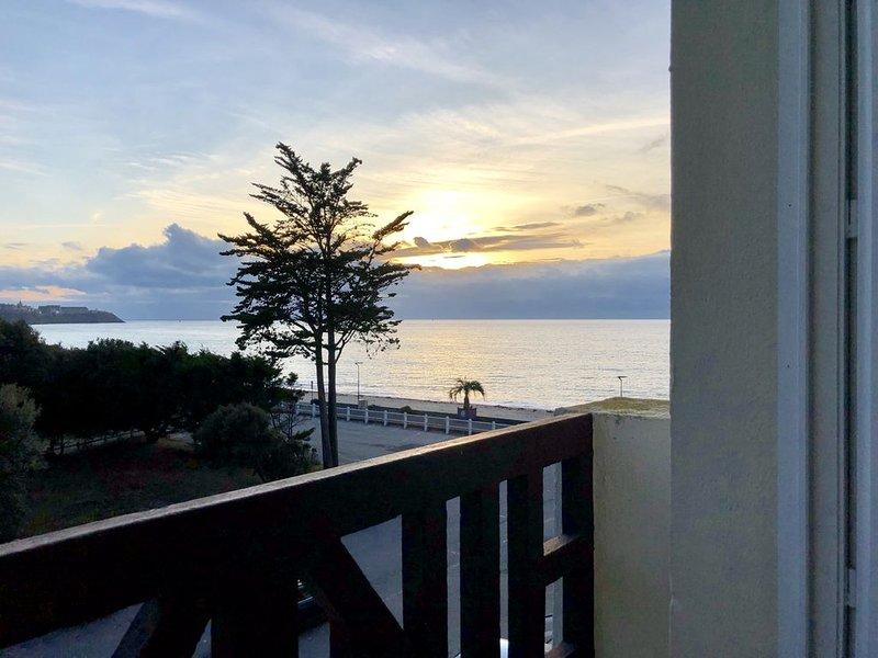 Appartement lumineux Vue Mer et Accès direct plage, alquiler vacacional en Longueville