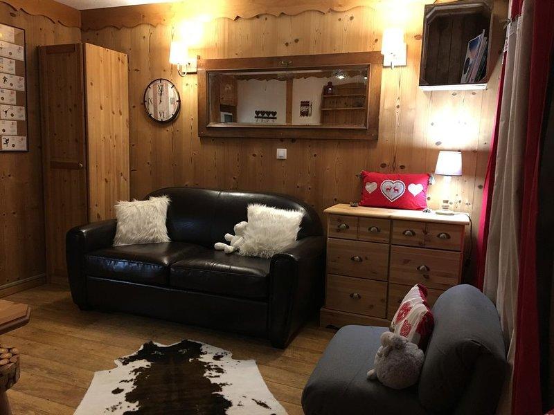 Val Thorens, appartement cosy, 4/5 pers dernier étage, haut station, 30 m2, aluguéis de temporada em Val Thorens
