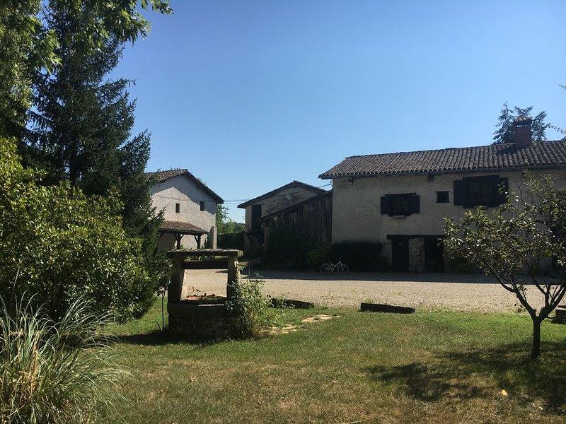 Maison indépendante à la campagne, 5 couchages, holiday rental in Bonnefamille