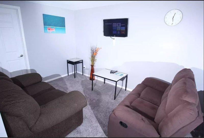 Exquisite 2 Bedroom Basement Suite, alquiler de vacaciones en Winnipeg