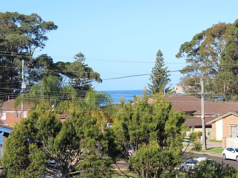 Retreat on Surf Beach, holiday rental in Batehaven