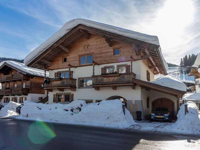 Unique chalet in the center of Elmau, 100 m from skililft, holiday rental in Going