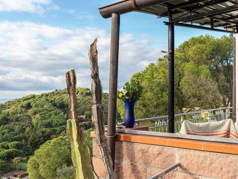 Ferienwohnung mit WLAN, Terrasse und Meerblick; Haustiere erlaubt, vacation rental in Chiessi