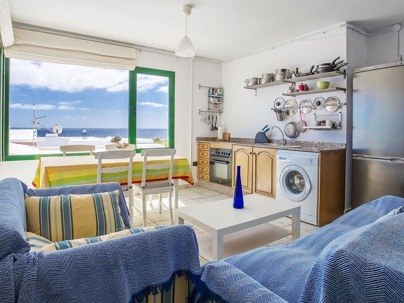 Charmantes Haus an der Küste mit WLAN, Terrasse und herrlichem Blick ; Haustiere, location de vacances à Guatiza
