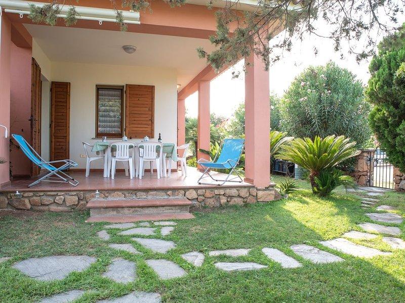 Mit großem Garten und in ruhiger Lage - Villetta Ginepro, vacation rental in Suaredda-Traversa